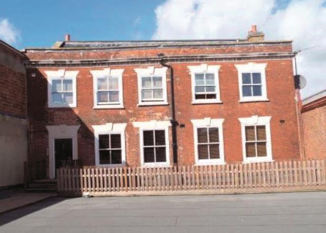 Flat 1 Chestnut House, 127-129 High Street, Poole, Dorset