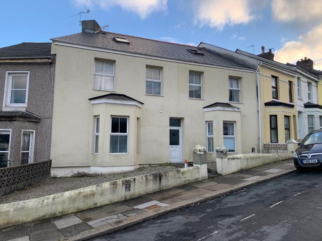 76 West Hill Road, Plymouth