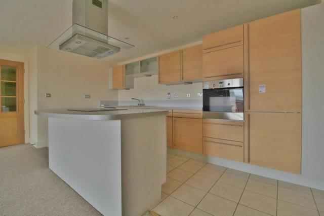 Flat 10, Brecon House, The Canalside, Gunwharf Quays, Portsmouth
